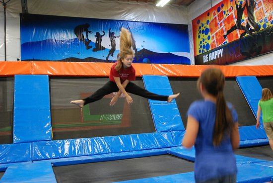 Elevated Sportz Indoor Trampoline Park: I jump! I fly!