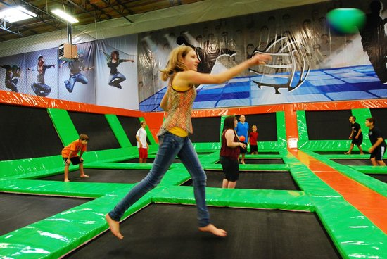 Elevated Sportz Indoor Trampoline Park: 3-d dodgeball