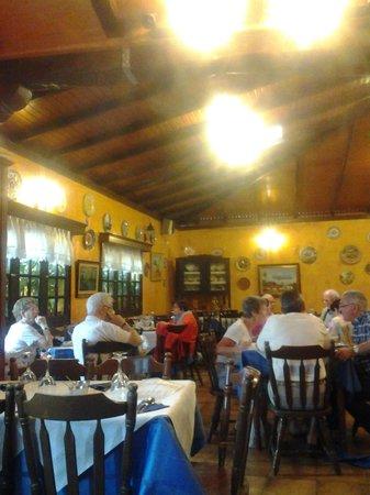 Restaurante El Carmen : Interior del restaurante