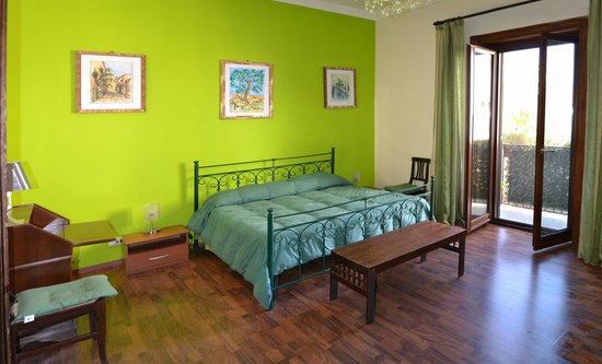 B&B Casa Degli Artisti: camera verde