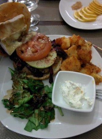 Chango Restaurante: la hamburguesa de cordero, una delicia muy original!!