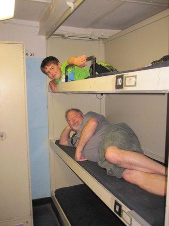 USS LEXINGTON : Bunk beds anyone?
