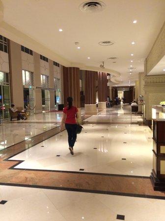PARKROYAL Yangon : Hotel lobby