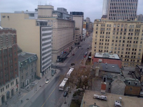 Sofitel Montreal Golden Mile: View out the west window, onto Sherbrooke.