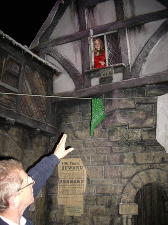 Dickens World: Nancy looking down to Bill Sykes