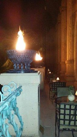 The Palace of the Lost City: Varanda