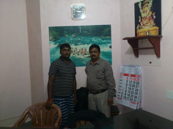 Kali Adventure camp : with manager