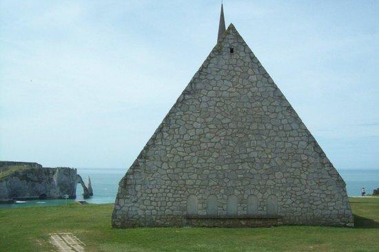 CHAPELLE Notre Dame de la Garde - Etretat - Vista Elefant