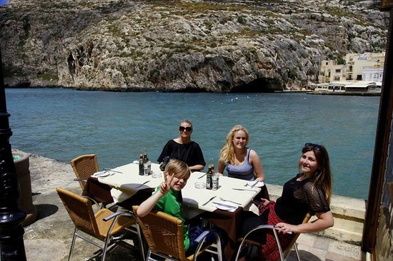 Churchill Restaurant: Happy eaters