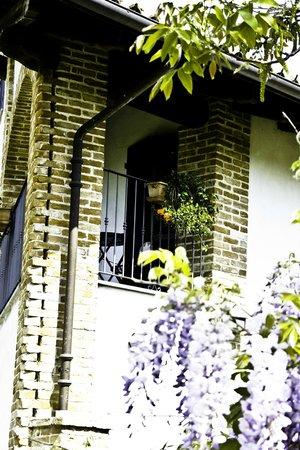 Cascina Collavini: balconcino camera moscato