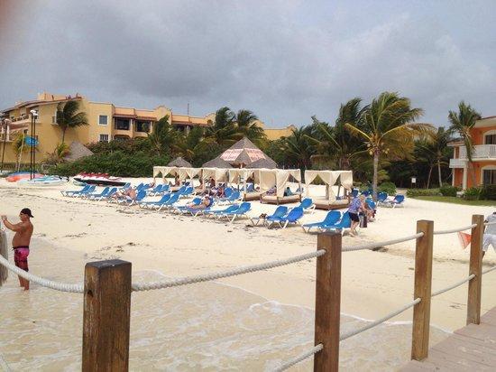 Ocean Maya Royale: The beach