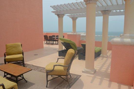 Hyatt Regency Clearwater Beach Resort & Spa: Another View of Terrace