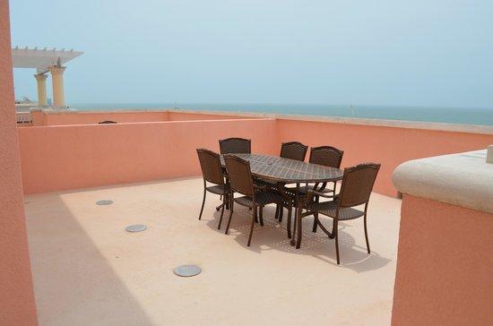 Hyatt Regency Clearwater Beach Resort & Spa: Dining Table on Terrace