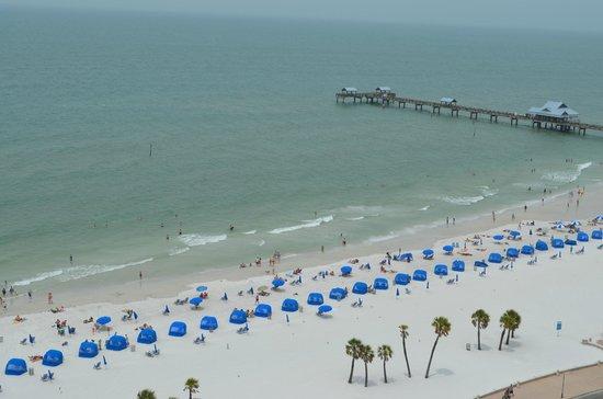 Hyatt Regency Clearwater Beach Resort & Spa: View of Beach & Pier 60 from Bedroom Balcony