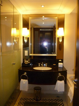 Sofitel Macau At Ponte 16 : Lovely bathroom