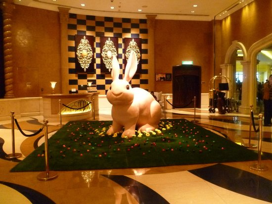 Sofitel Macau At Ponte 16 : Easter decorations in the lobby