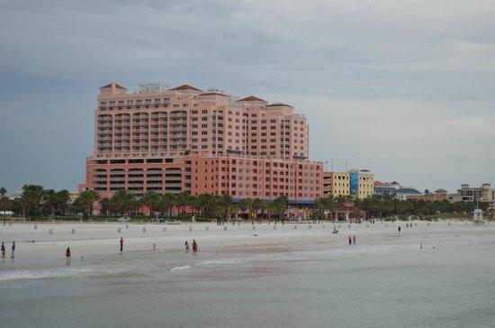 Hyatt Regency Clearwater Beach Resort & Spa: View of Hotel from the Pier 60