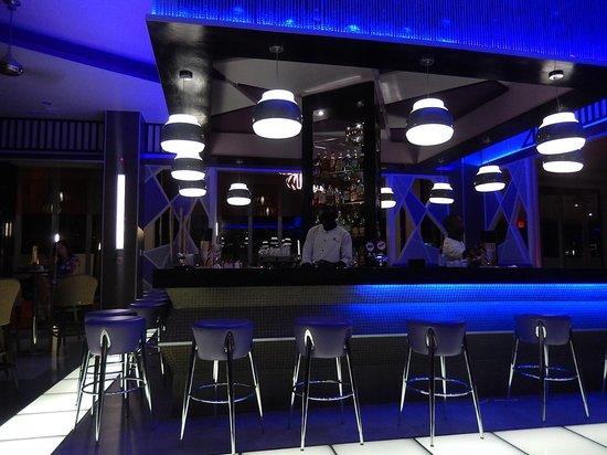Hotel Riu Palace Jamaica : Vogue Lobby Bar