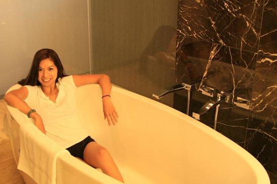 Mandarin Oriental, Las Vegas: huge tub