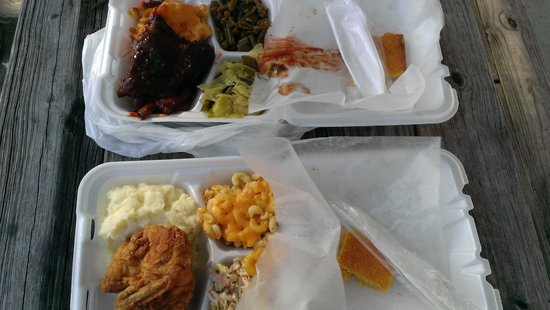 Big Mike's Soul Food: ribs and fried chicken