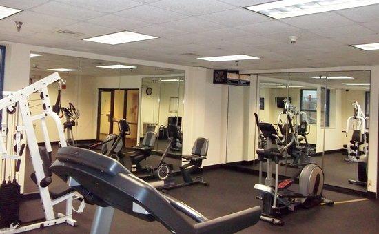 University Inn Midtown: Fitness Center
