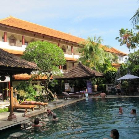 Bakung Sari Resort and Spa: pool