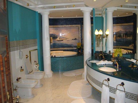 Burj Al Arab Jumeirah : Beautiful bathrooms.
