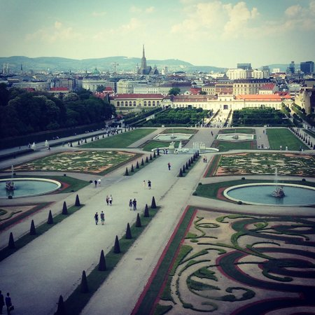 Private Prague Guide Day Tours : Vienna - Schonbrunn Palace