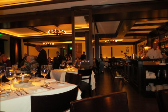 Joe's Seafood Prime Steak & Stone Crab: A part of the dining room