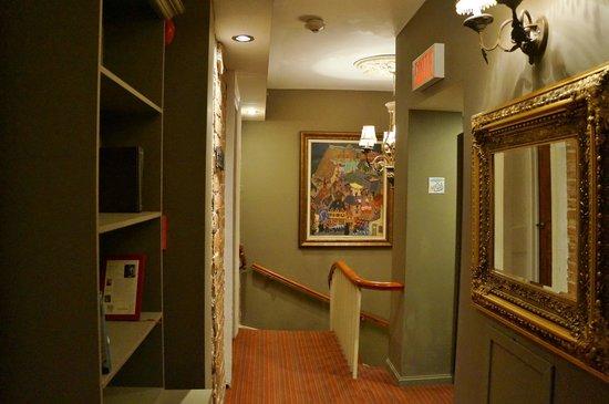 Auberge Place D'Armes : Hallway