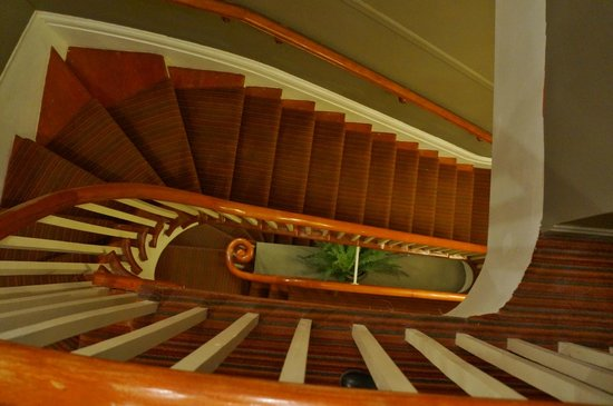 Auberge Place D'Armes: Stairwell