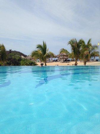 Secrets Huatulco Resort & Spa : Pool view