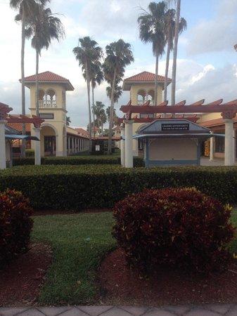 Florida Keys Premium Outlets: Fachada