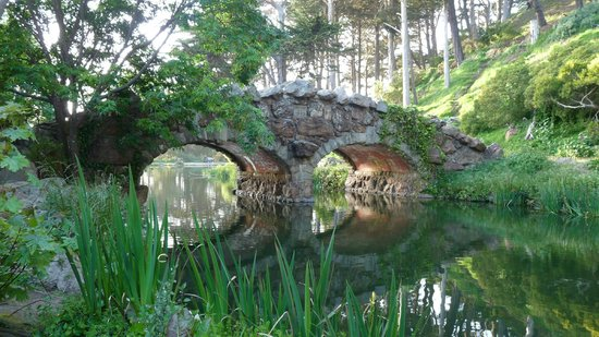 Golden Gate National Recreation Area : Rustic bridge at Stow Lake