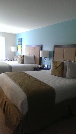 Silver Palms Inn: Zimmer zur Poolseite