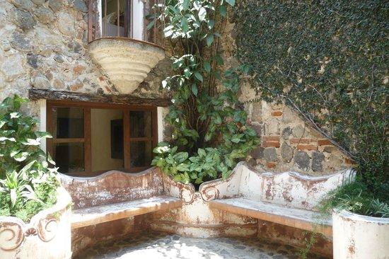 Hotel Los Pasos: Inside Courtyard