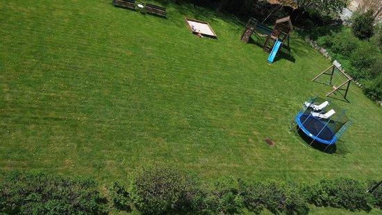 Villa Elise Park Pension: kids playground