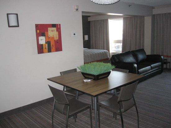Hotel Cofortel: Vue en entrant dans la suite