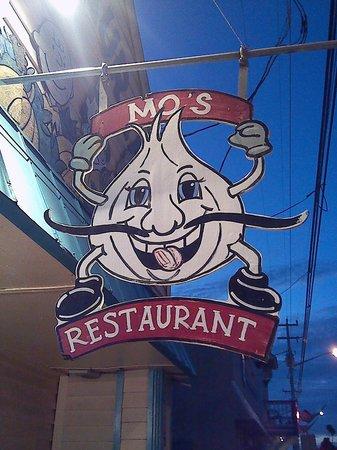 Mo's Restaurant: Mo's sign