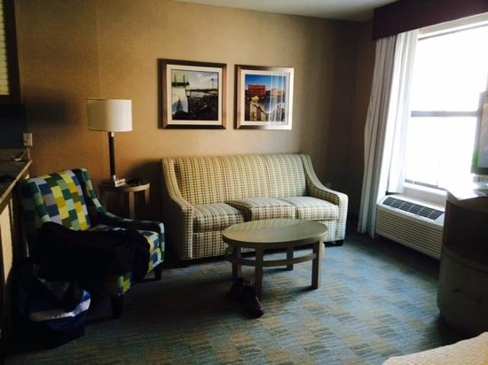 Residence Inn Portsmouth: Living Room in Studio Rm