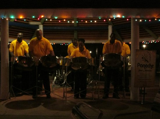 Jolly Beach Resort & Spa: Panache steel pan orchestra one night