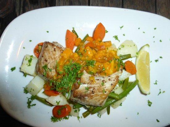 Vaima Polynesian Bar and Restaurant: Mahi Mahi Fish Special