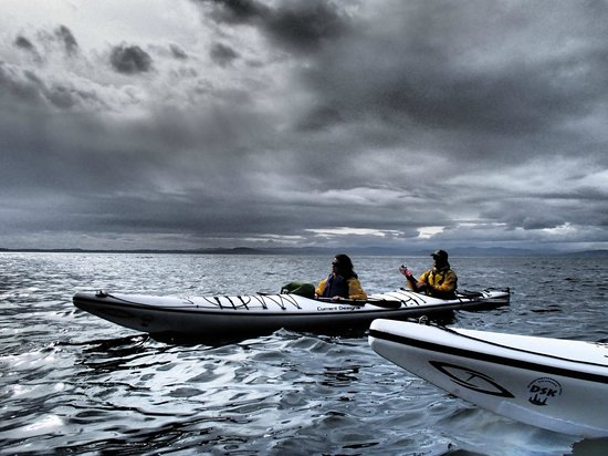 Discovery Sea Kayaks : Dramatic weather!