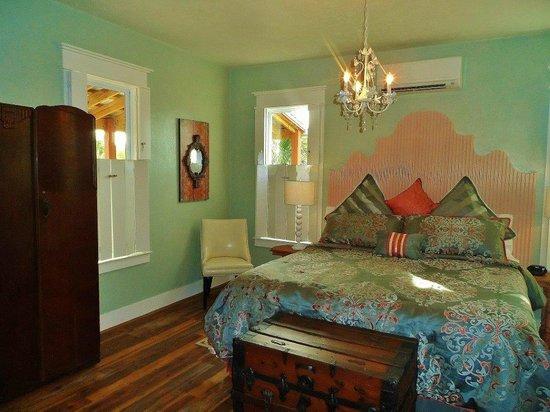 Riverwood Suites: Pearl Suite