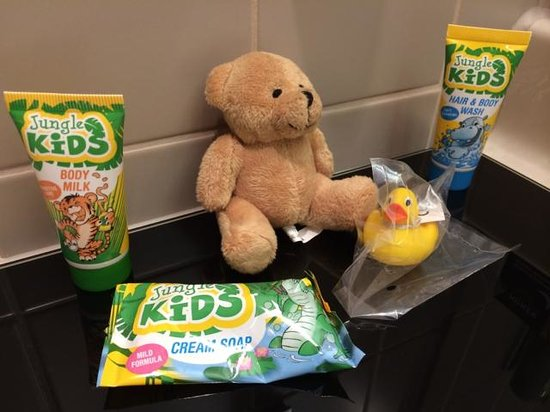 Lindner Hotel City Plaza: Complementary Kids Toiletries and toys - so nice of them!