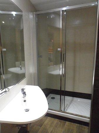 Vintage Hostel : shower room was ok.