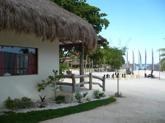 Bluewater Maribago Beach Resort: 部屋外観