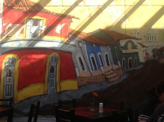 Posada El Capullo: mural en lobby