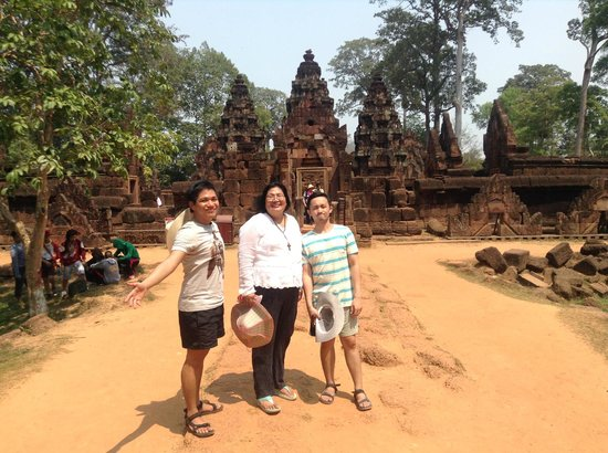 Banteay Srei : behind the temple