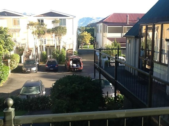 Akaroa Village Inn : You can just see the water